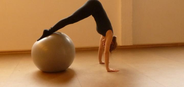 foto di un esercizio con la Gym Ball